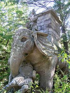 Bomarzo elefante